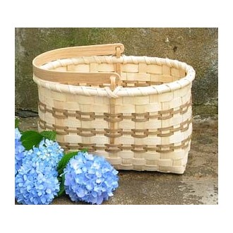 Market Basket with Swing Handle Basket Pattern
